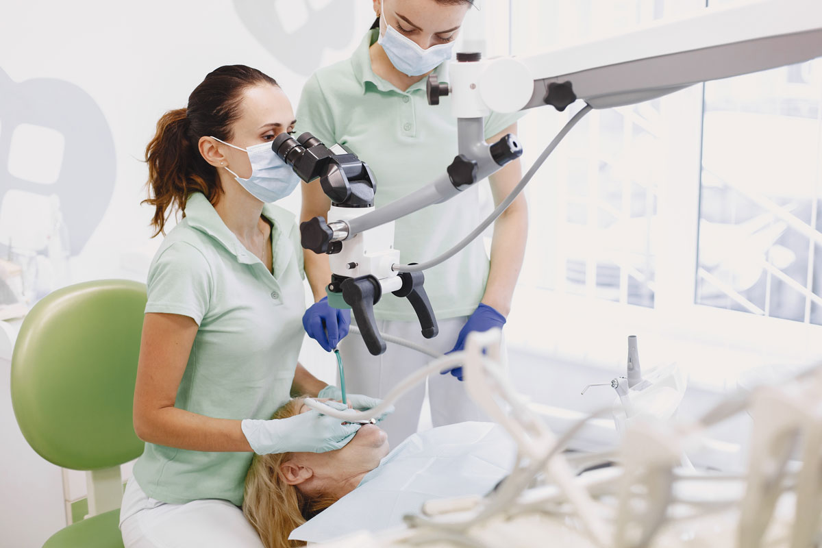 Root-canal-with-endo-microscope-london